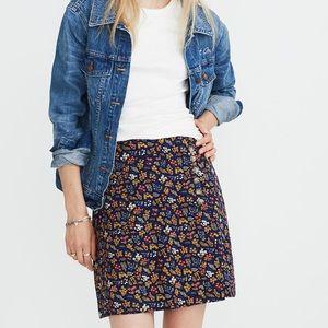 NWT Blue/floral Madewell skirt wi buttons/ zipper